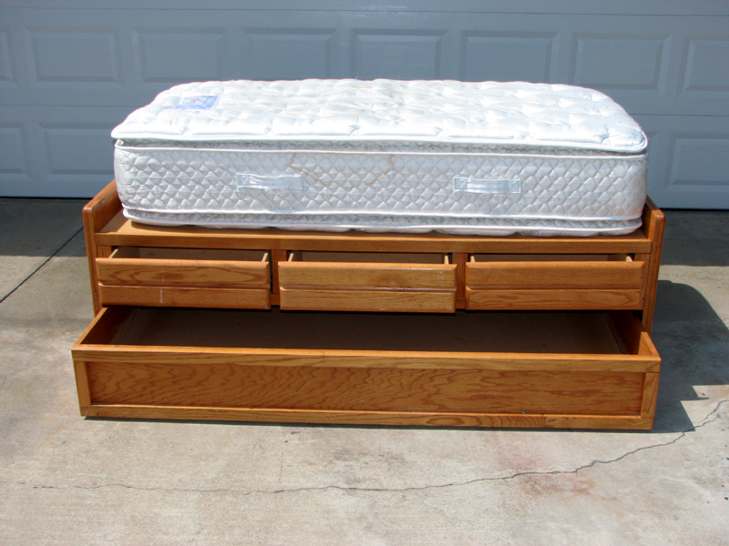 Captains Trundle Bed